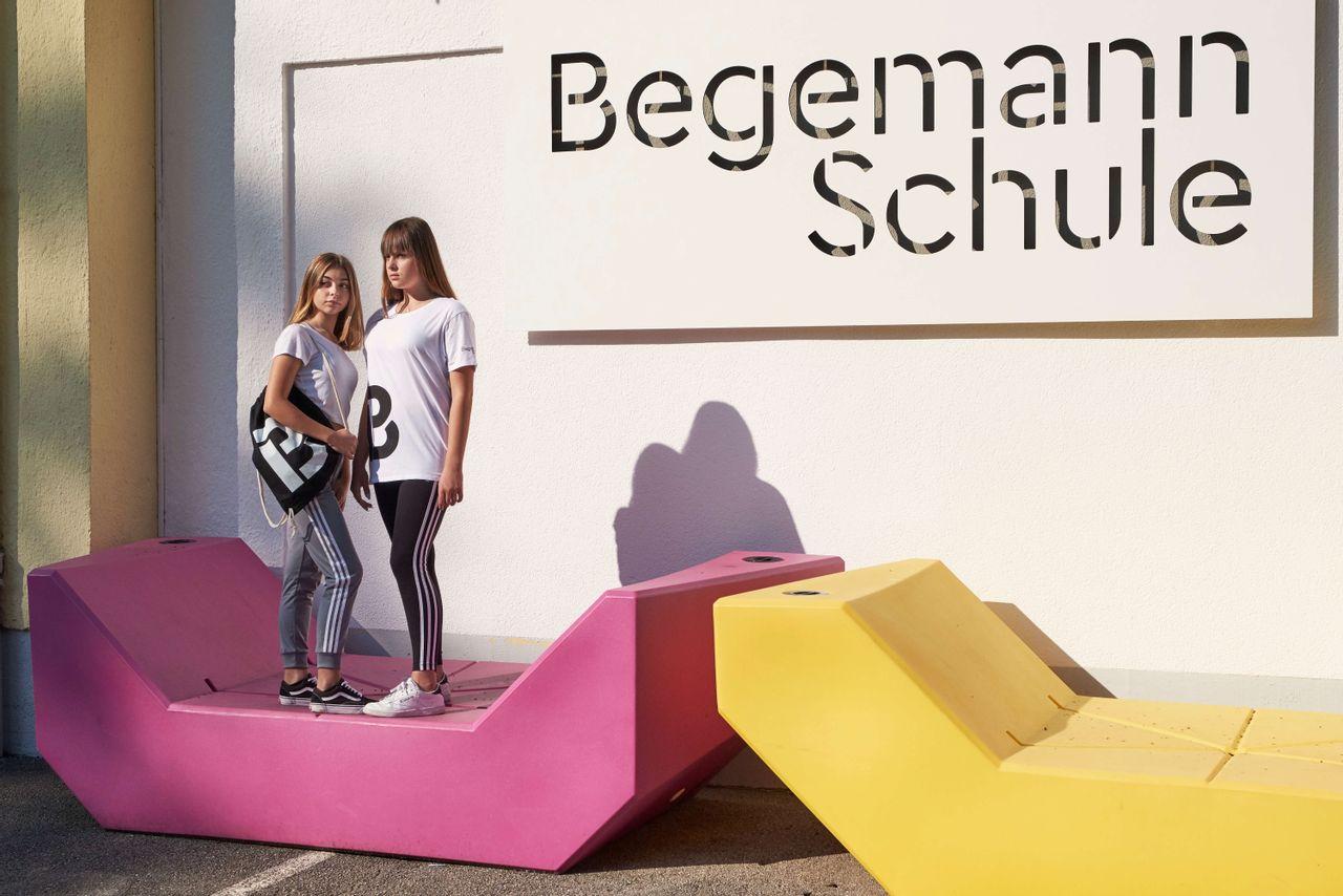 Example Begemann School, Studio Umlaut