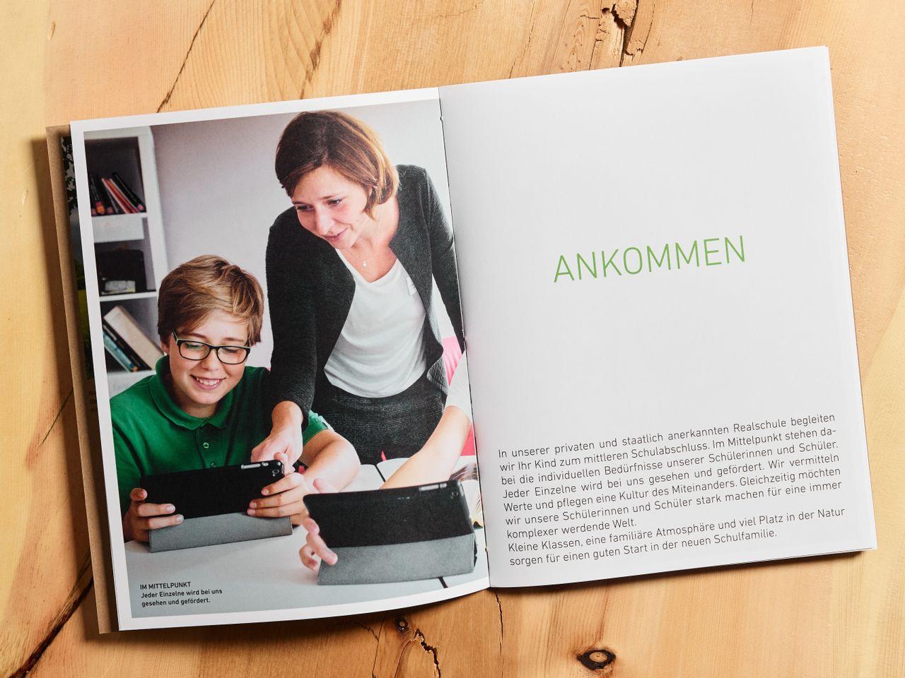 Gut Warnberg - School, Studio Umlaut
